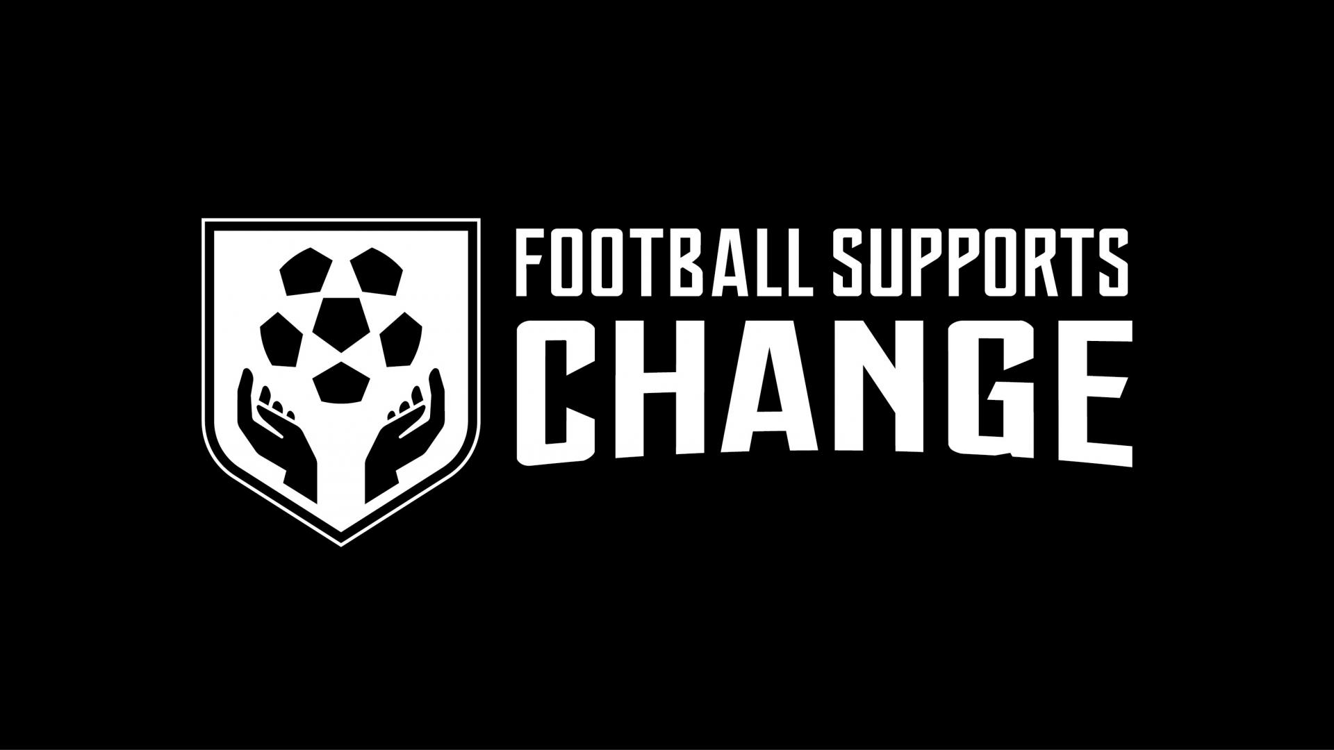 ORANJE DRAAGT &quote;FOOTBALL SUPPORTS CHANGE&quote; UIT